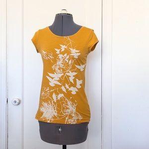 H&M mustard gold bird graphic organic cotton tee